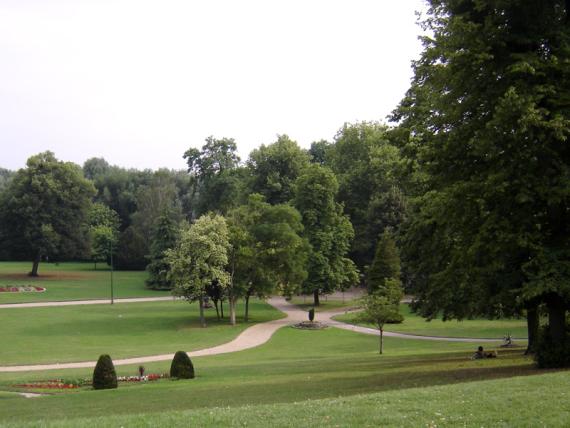 oissel-net-jardin-public-2005
