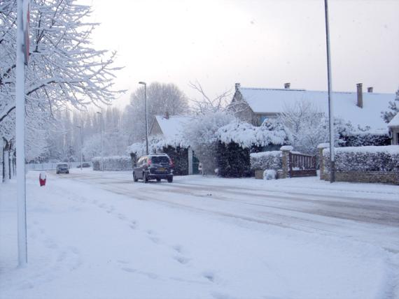 oissel-net-neige-sur-la-vill-03-2006