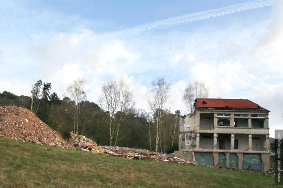 oissel-net-demolition-sanatorium-01-03-2008