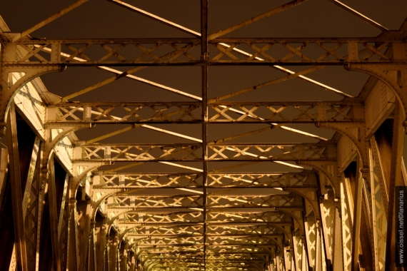 oissel-net-ancien-viaduc-sncf-by-night-05-2008