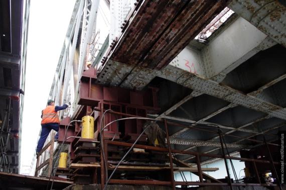 oissel-net-delancage-ancien-viaduc-sncf-07-08-2008