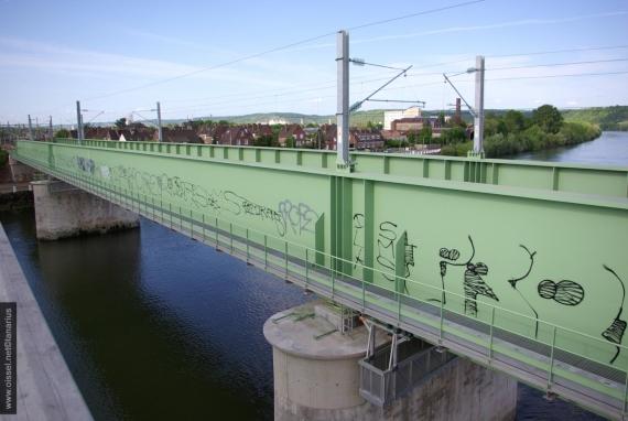 oissel-net-nouveau-pont-sncf-tague