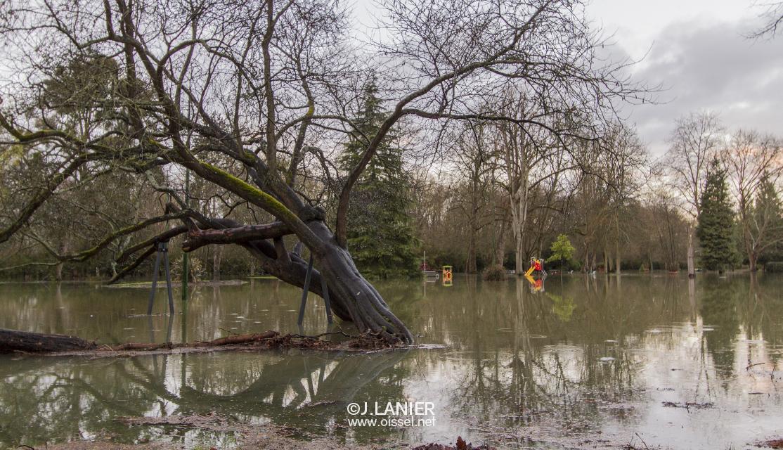 2018-02-01-oissel-net-crue-de-seine-1-jardin-publique