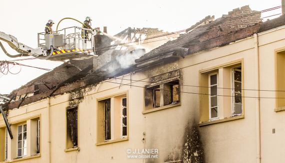 2018-07-14-oissel-ecole-jean-jaures-incendiee